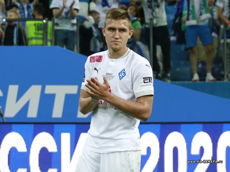 Голенков родился в Самаре, он воспитанник местного футбола.