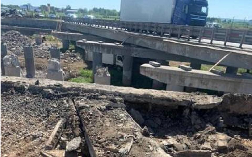 На трассе Пермь – Екатеринбург начался демонтаж моста через реку Мулянку. Фото: пресс-служба Упрдор «Прикамье».
