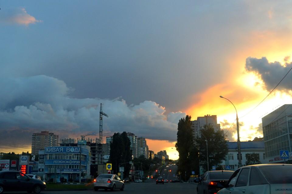 Грозу с градом и сильным ветром обещают в Липецке