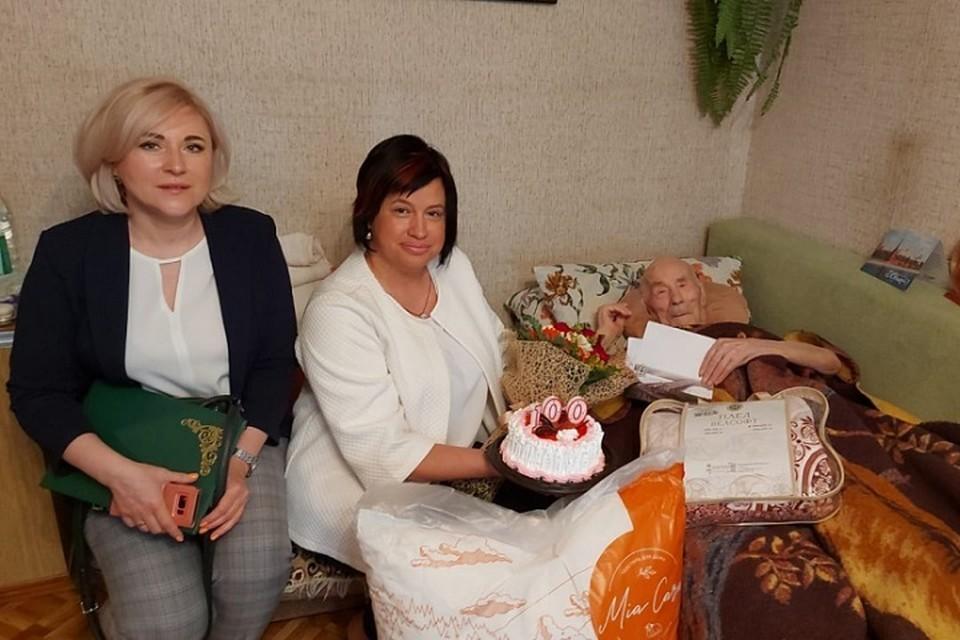 Столетие празднует комсомольчанин