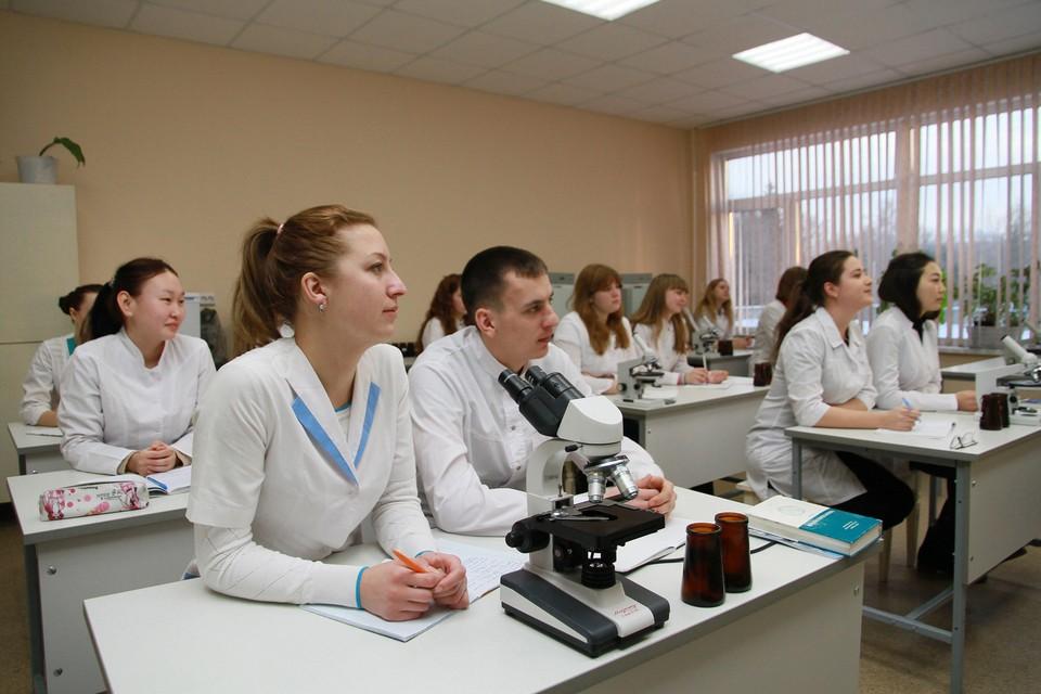 Востребованность в кадрах растет сразу в нескольких сферах Томской области, в том числе в здравоохранении.