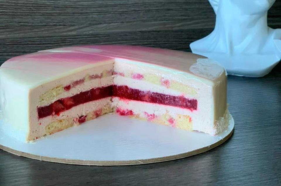 Торт вернули в магазин. Фото: Анастасия Веселуха.