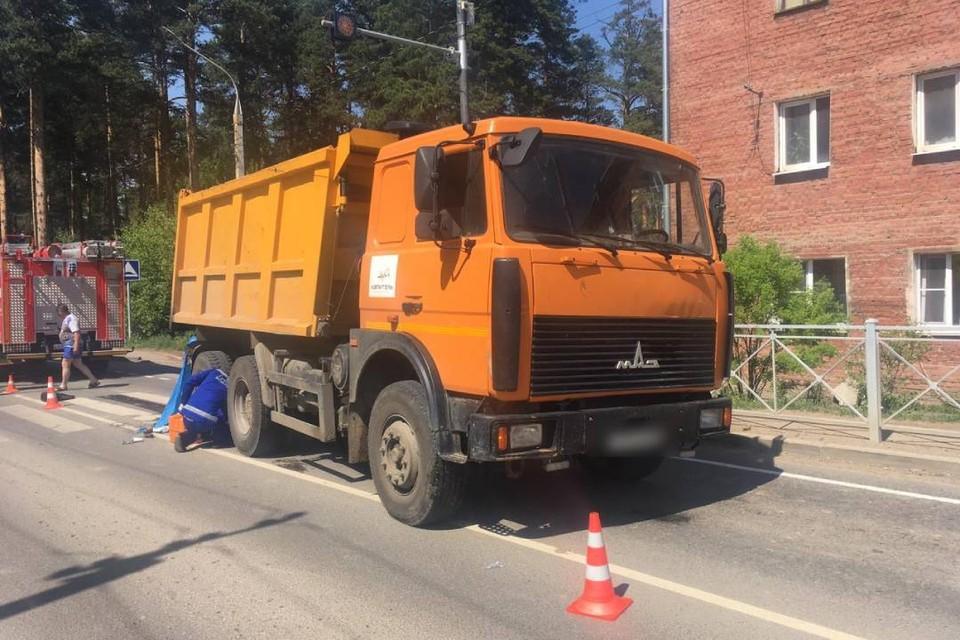 """""""Камаз"""" насмерть сбил пенсионерку на пешеходном переходе в Иркутском районе"""