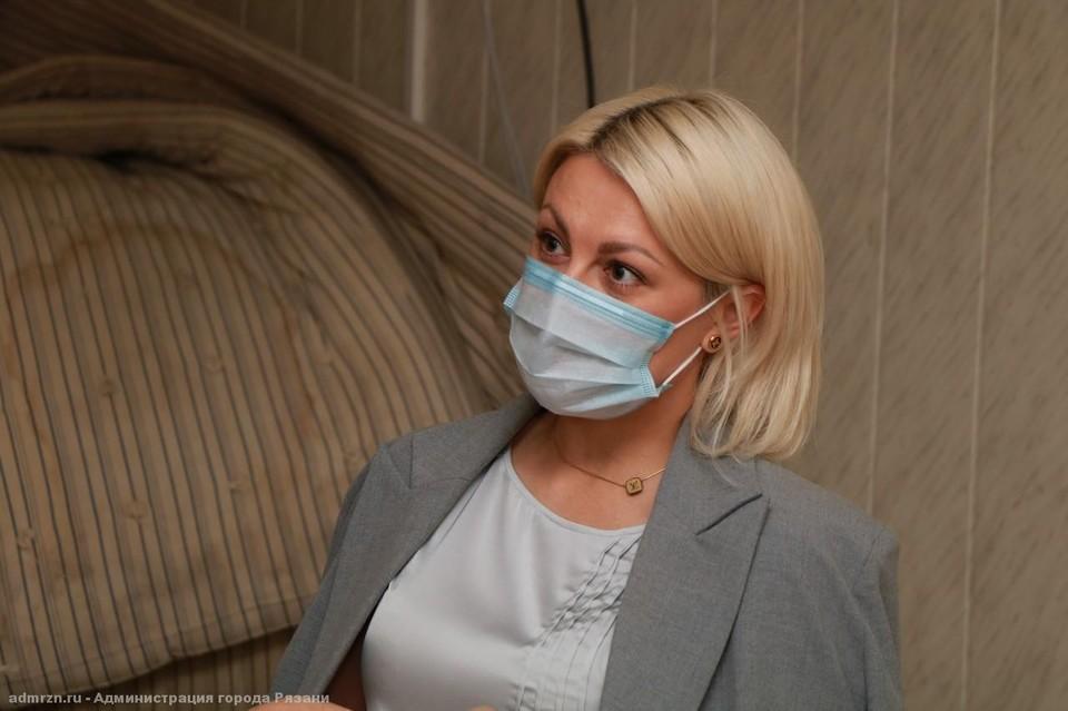«Не переживайте вы так»: Ирина Хабарова объяснила появление матрасов в кадре фотографа мэрии.