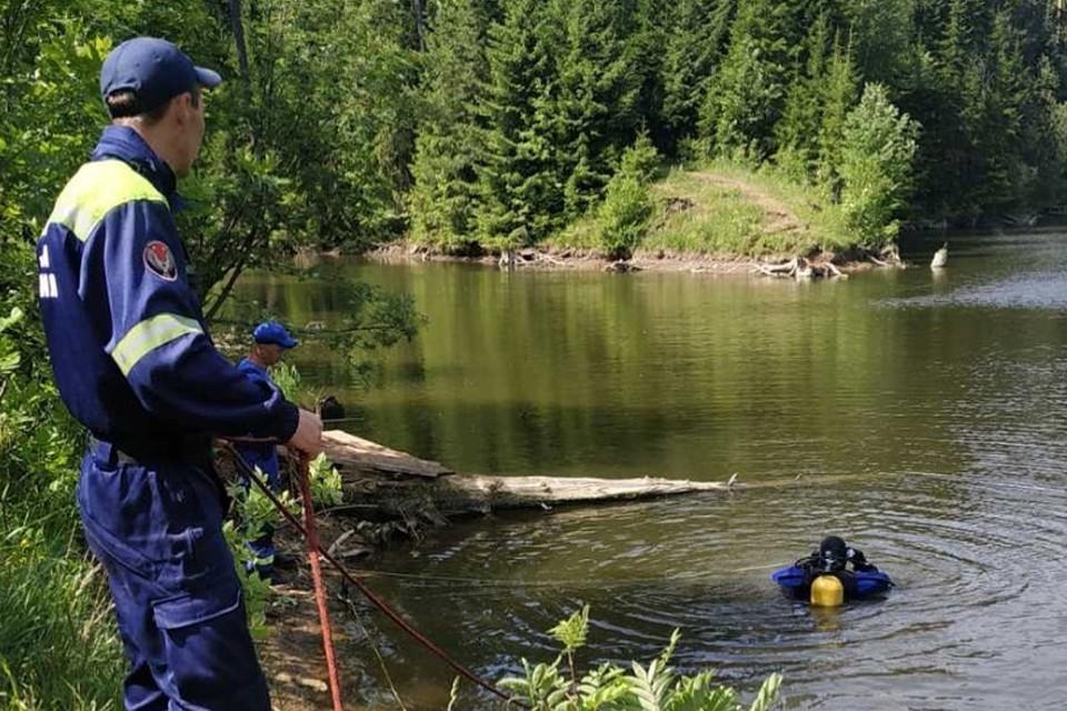 Момент поисков утонувшего мужчины Фото: www.instagram.com/pssudm/