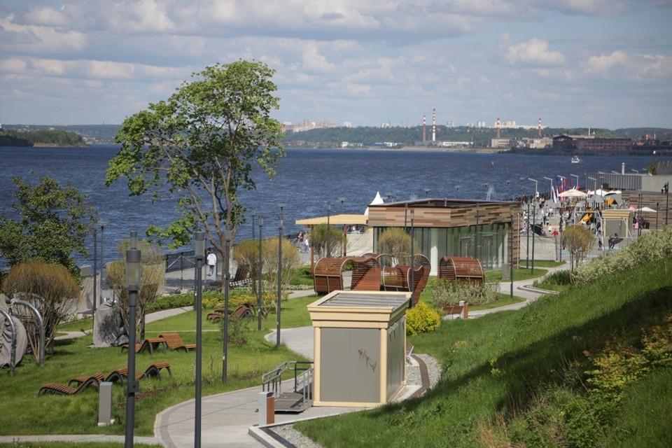 Ко Дню города на набережной Камы откроется лаунж-зона с шезлонгами и качелями