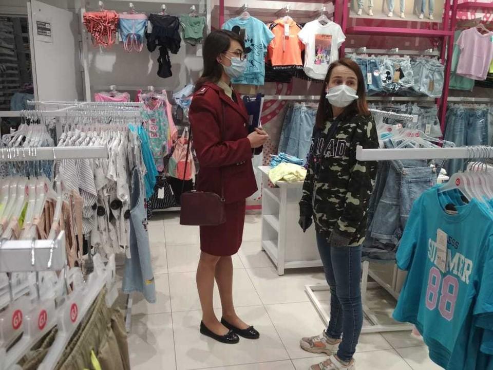 В магазинах Твери проверяют соблюдение масочного режима Фото: ПТО