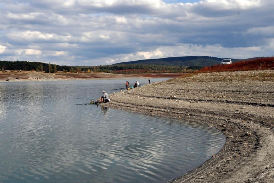 Также пресная вода могла скапливаться под руслом Северо-Крымского канала