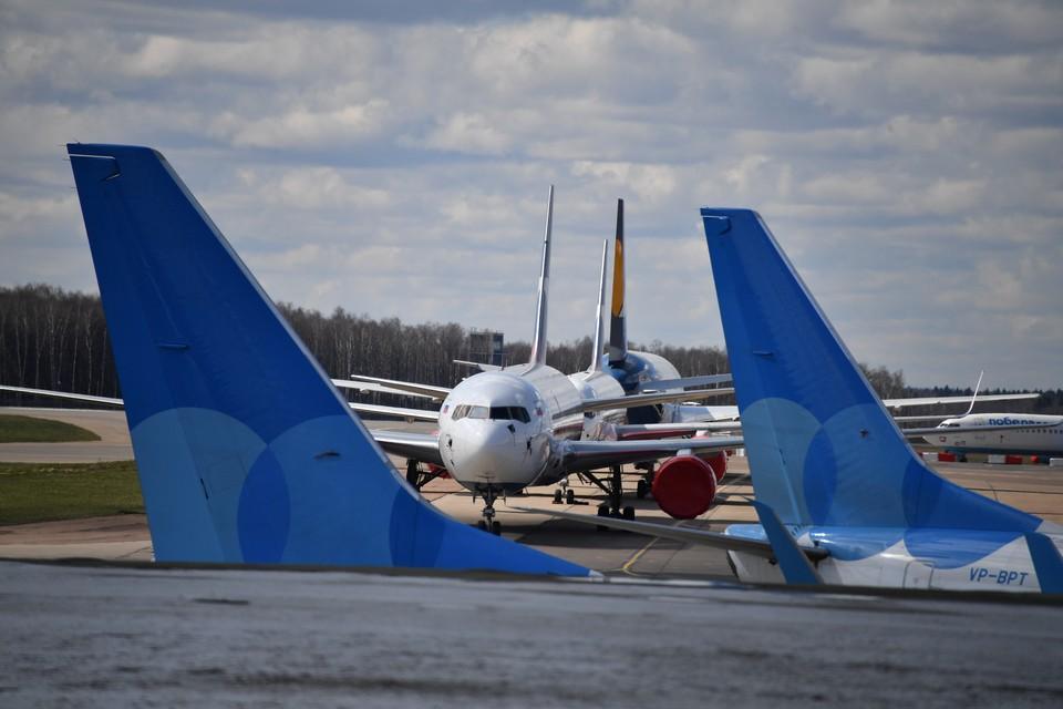 Минтранс России предложил авиакомпаниям авторизовывать пассажиров по сертификату о вакцинации против коронавируса.