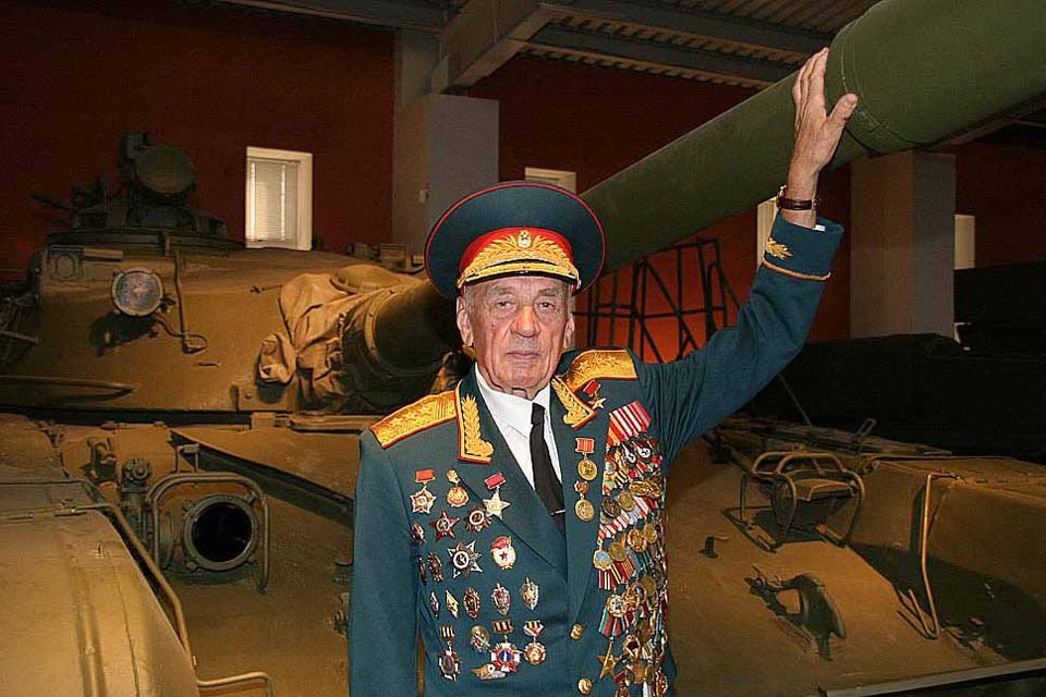 Вертелко доверили решить судьбу нового танка Т-72. После его одобрения, машина была принята на вооружение, и стал самым массовым боевым танком второго поколения