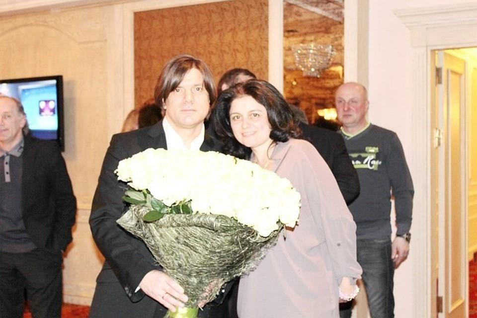 Николай Трубач со своей женой Еленой Фото: vk.com/fcartist