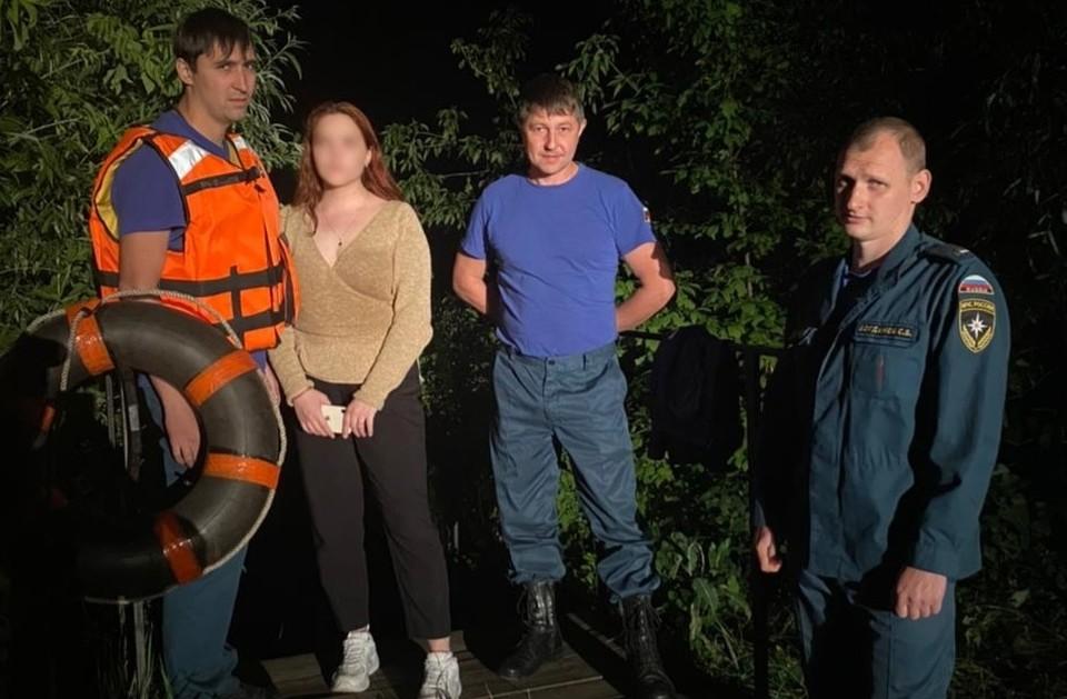 Филип Асташов и Николай Севрюков без промедления бросились на помощь утопающей.