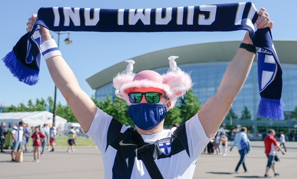 Почти 500 финских фанатов заболели ковидом после Евро.