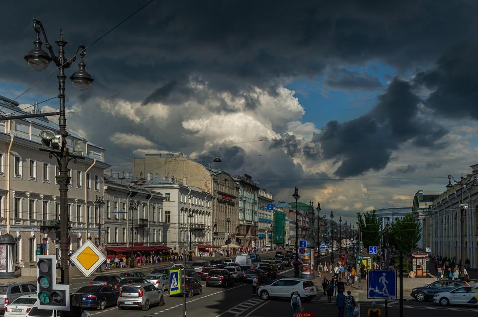 Дожди и грозы обрушатся на Петербург 9 июля