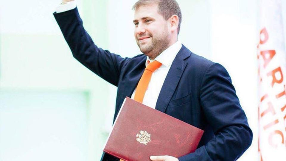 Илан Шор призвал людей дать ему шанс, как это сделали в 2015 году жители Оргеева. Фото:partidulsor.md