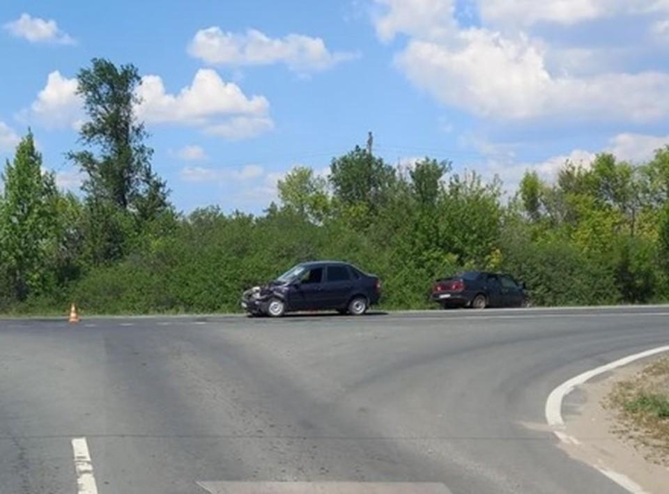 В Сызрани в ДТП пострадали двое взрослых и маленькая девочка. Фото - ГУ МВД России по Самарской области