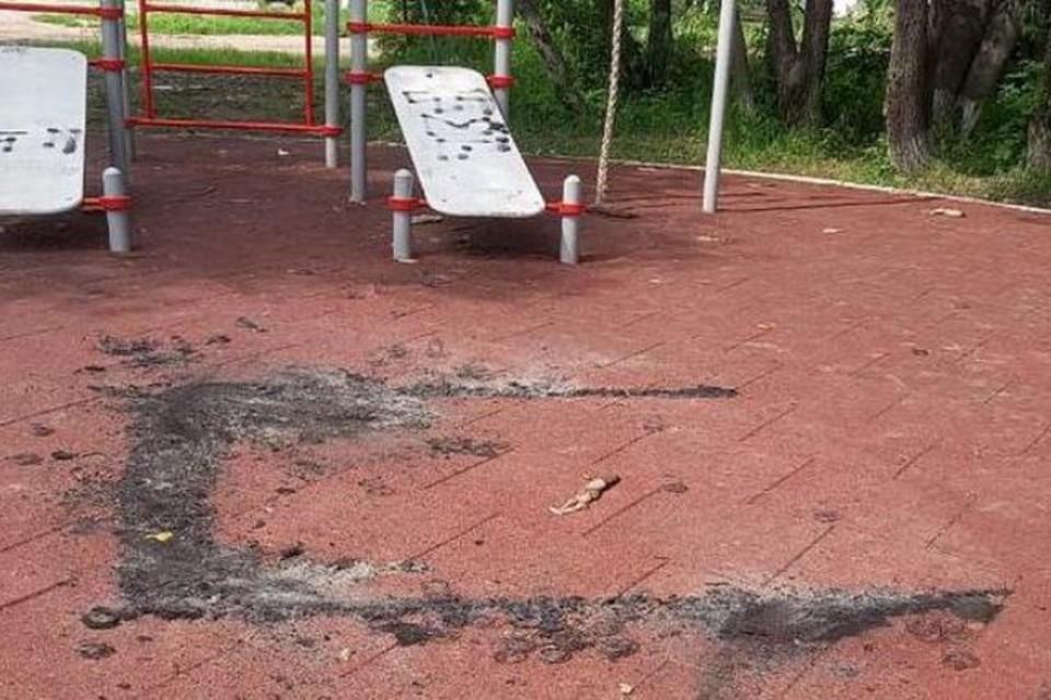Вандалы изуродовали сквер в Хабаровске