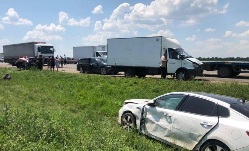 Массовая авария произошла на федеральной трассе. Фото: пресс-служба областной ГИБДД