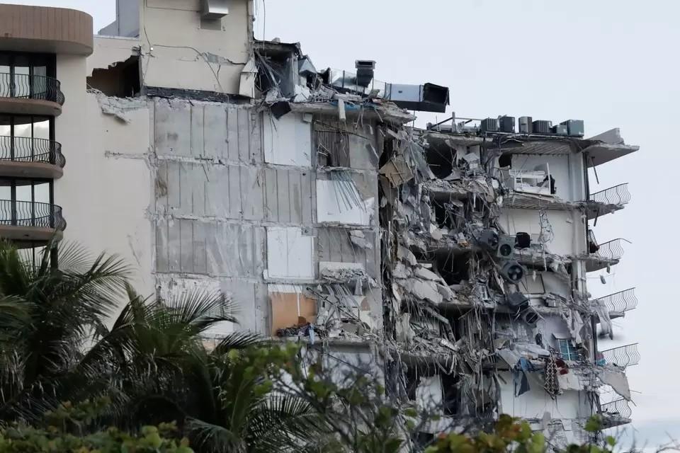 Число погибших при обрушении дома в Майами возросло до 90