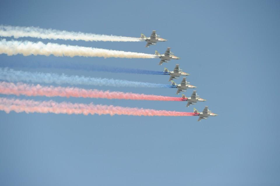 Морская авиация проведет тренировки в небе над Петербургом
