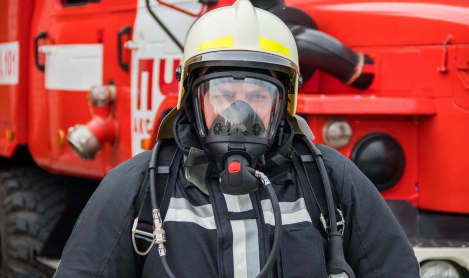 Ямальские пожарные получили новые дыхательные аппараты и обмундирование