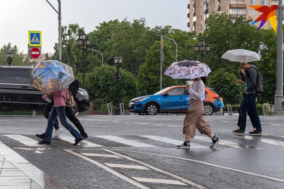 Судя по прогнозам гидрометцентра России, в Мурманске температура воздуха будет колебаться от +17 до +23 градусов днем.