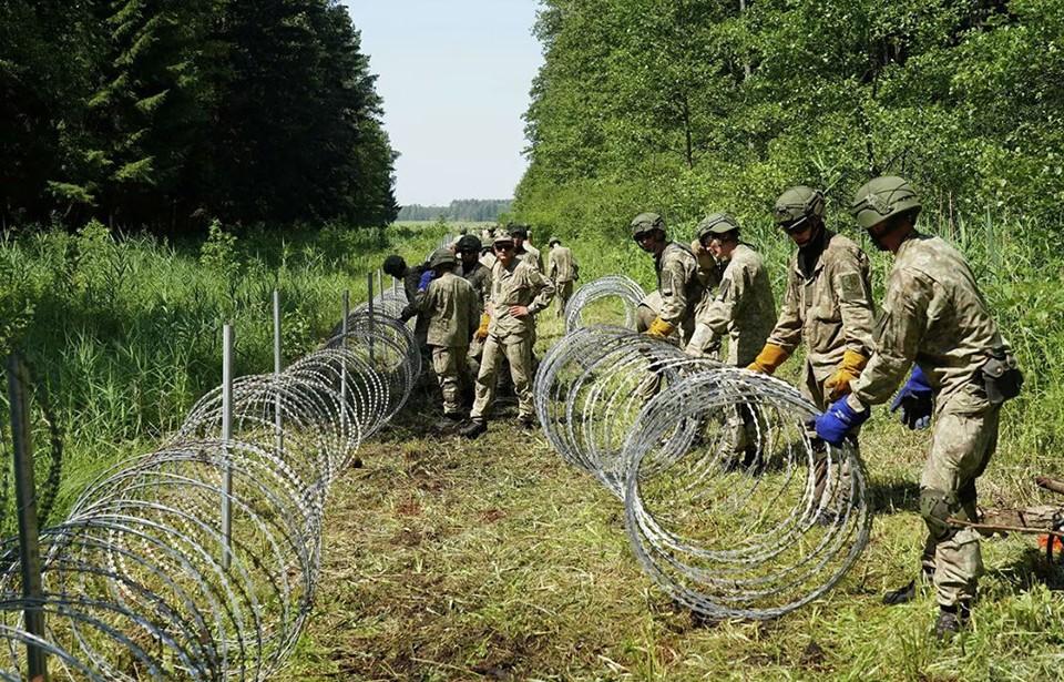 Страны Балтии начинают усиление охраны восточных границ. Фото: Reuters