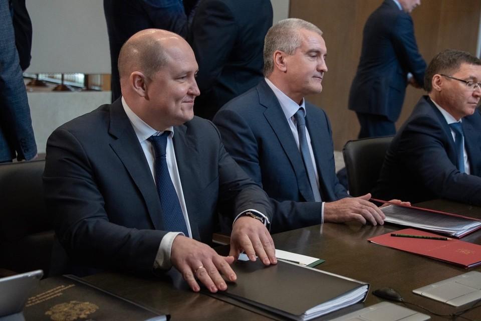 Михаил Развожаев отметил, что для реализации проекта вместе с главой Крыма Сергеем Аксёновым решено создать АНО и возглавить Наблюдательный совет