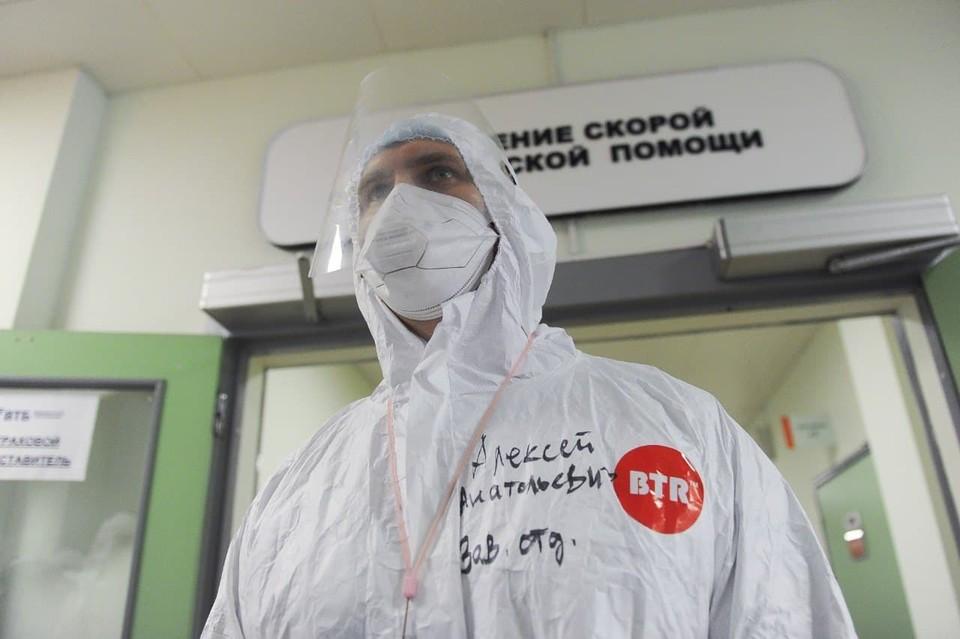 Врачей-специалистов в Петербурге хватает, а вот медики для прививок - дефицит.