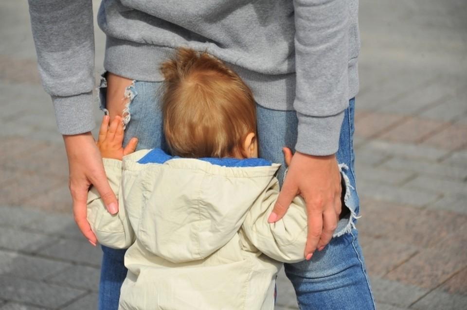 Малышку вместе с матерью доставили в больницу. У ребенка диагностировали травмы средней тяжести.