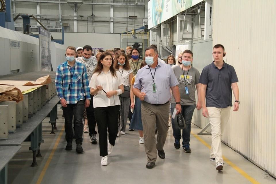 Студенты со всей России пройдут практику на авиационном заводе в Комсомольске