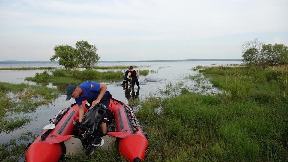 Водолазы нашли тело пропавшего парня в озере под Хабаровском