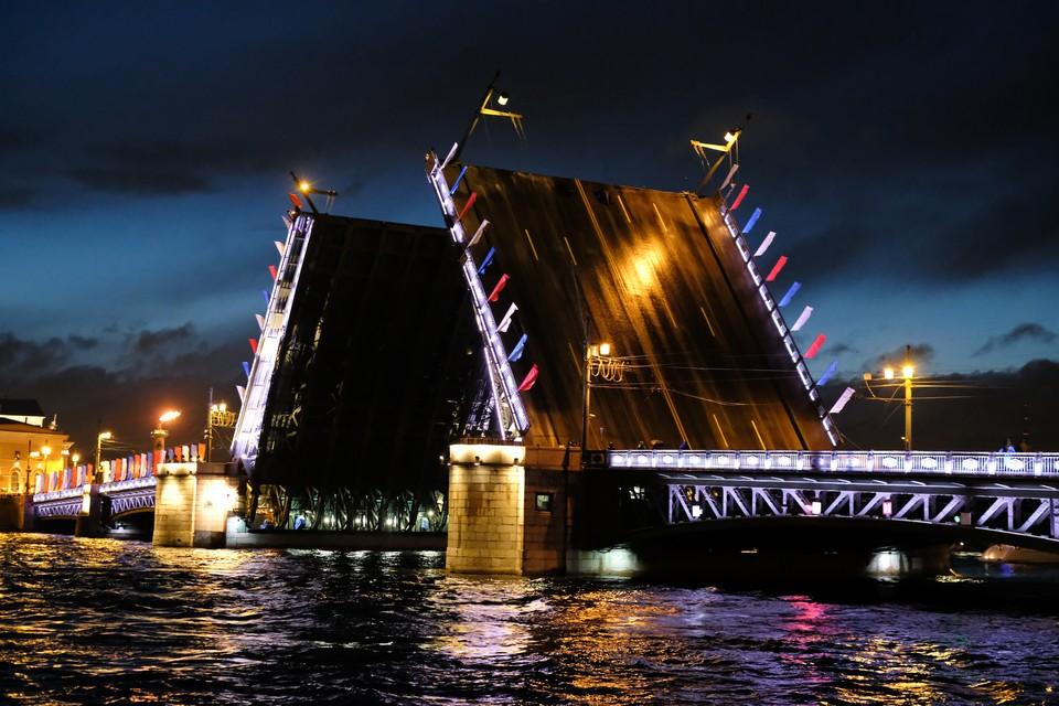 График разводки мостов в Петербурге