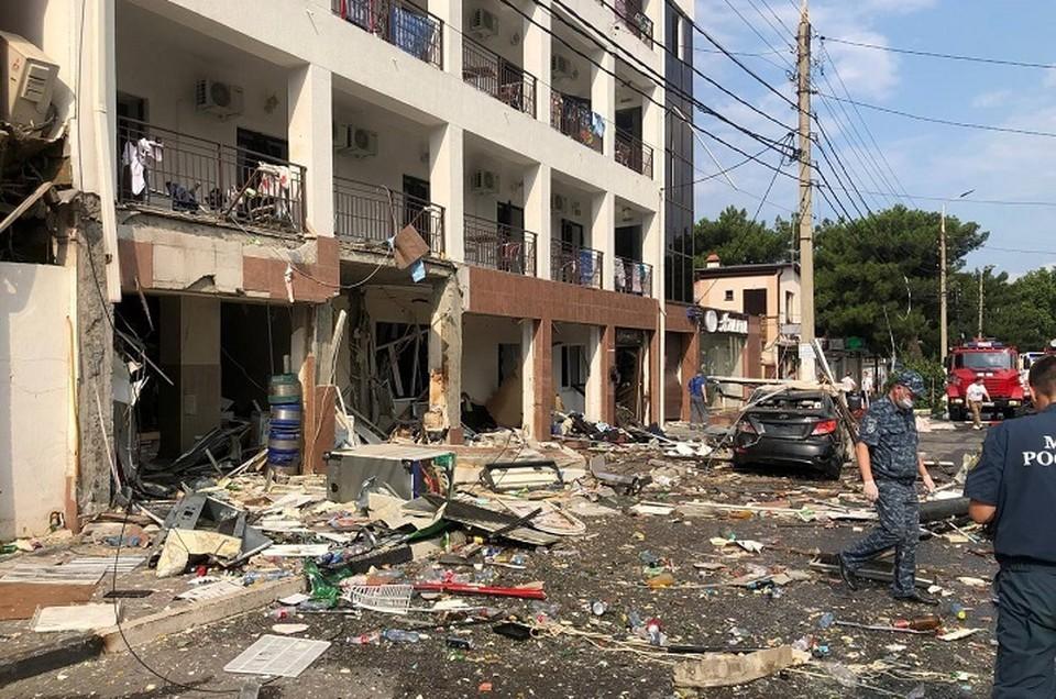 Гостиницу восстанавливают после взрыва