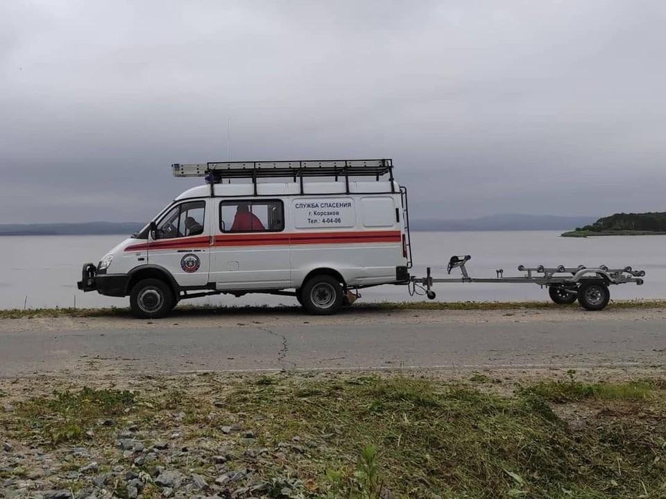 Специалисты отдела ГО и ЧС провели водолазное обследование и выставили ограждение. Фото: Instagram-аккаунт @moy_korsakov