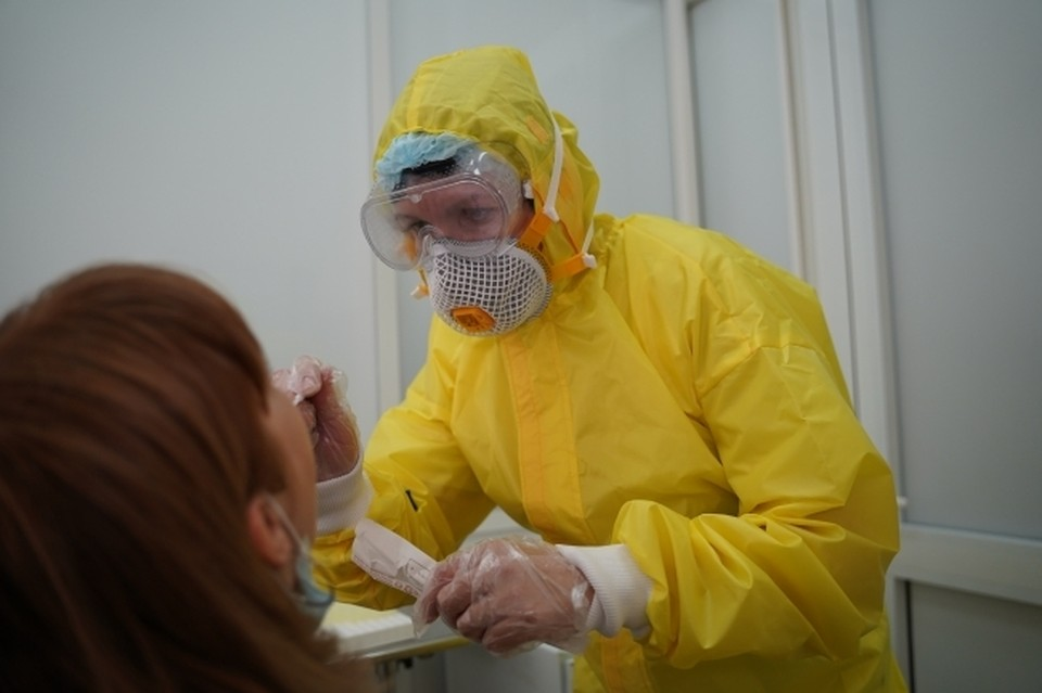 """Индийский штамм """"дельта"""" стал причиной резкого скачка заболеваемости коронавирусом"""