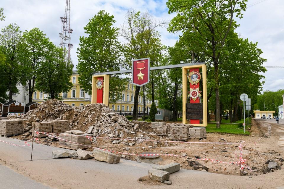 Сквер Клименко в Смоленске отремонтировали наполовину. Фото: администрация Смоленска.