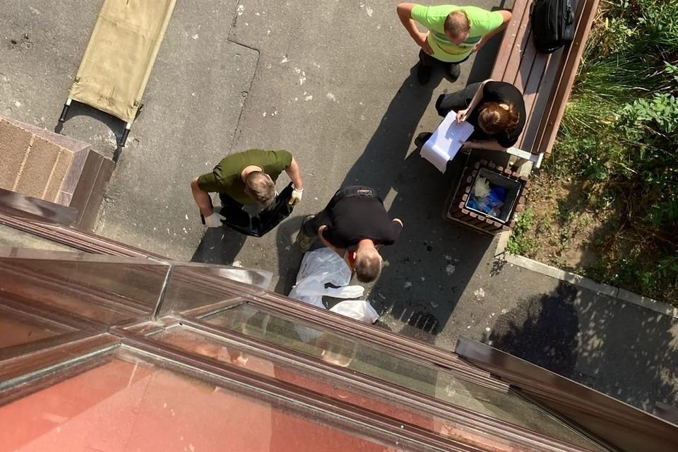Труп девушки нашли под окнами высотки в Кудрово. Фото: vk.com/spb_today_unreleased