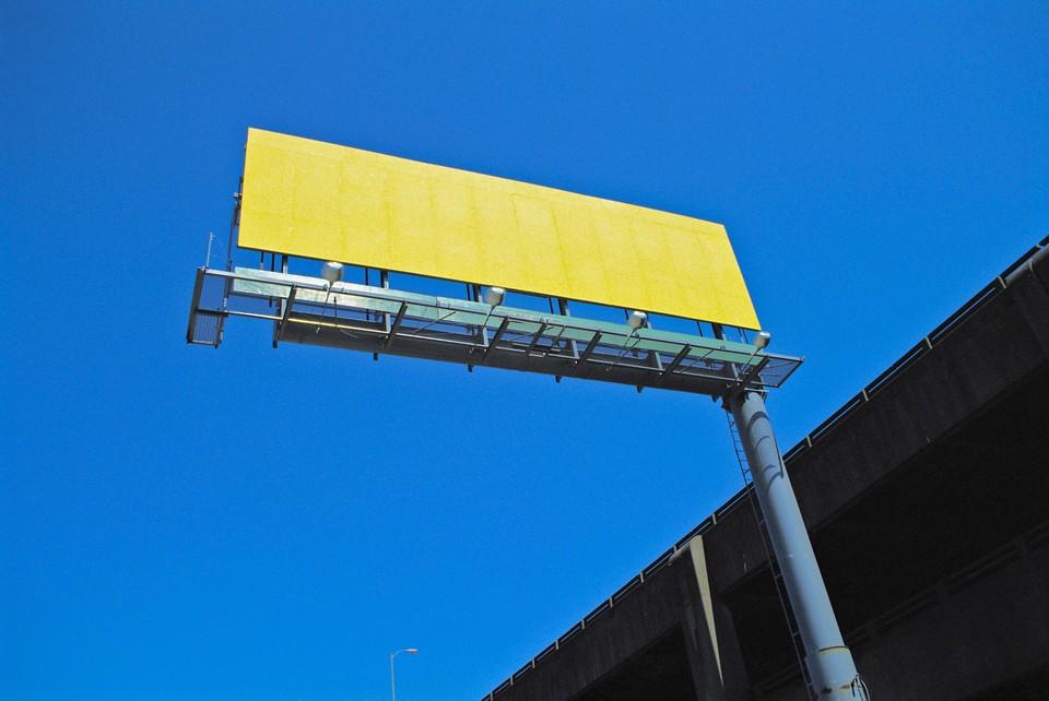 В Сургуте убирают незаконные рекламные билборды Фото: pixabay.com