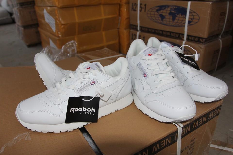 В Самарской области изъяли контрафактные кроссовки. Фото - Самарская таможня