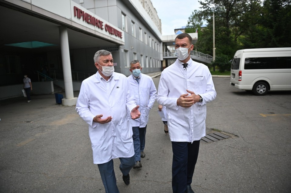 Михаил Дегтярев оценил потенциал Первой краевой больницы в Хабаровске.