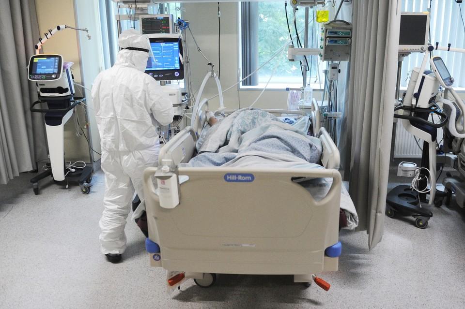 В ковидных госпиталях пациенты стали умирать не только от болезни.