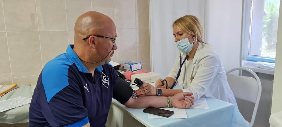 """Представители саарского клуба сделали прививку от коронавируса. Фото: ПФК """"Крылья Советов"""""""