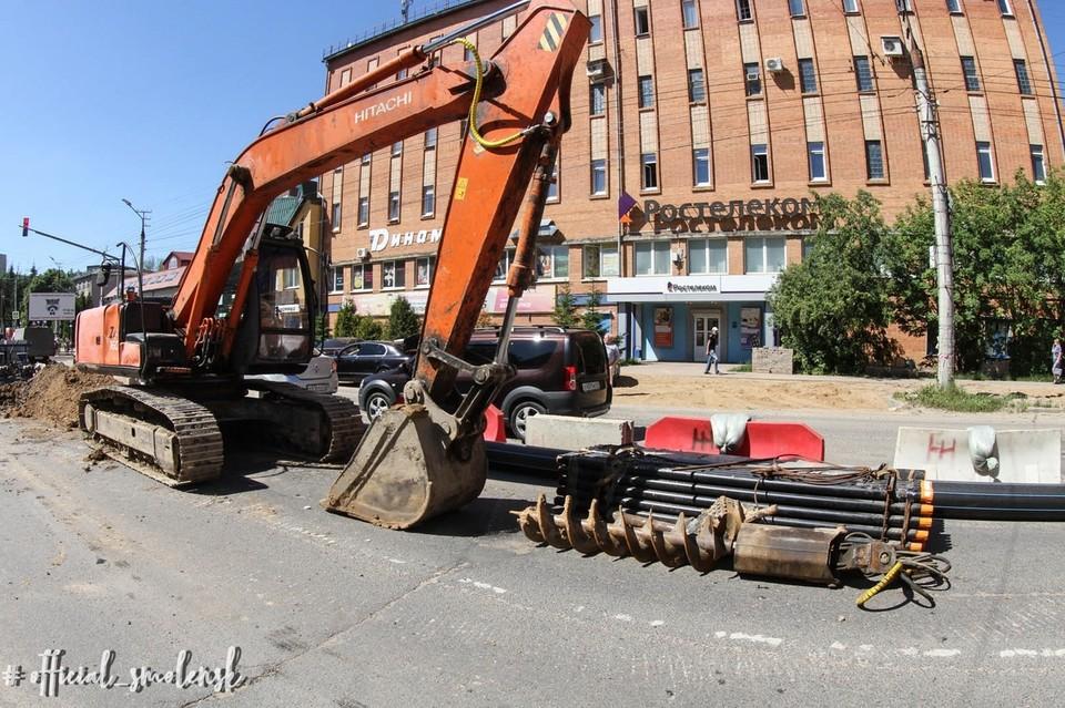 Замена теплосетей продолжается на Нормандии-Неман в Смоленске. Фото: пресс-служба администрации города Смоленска.