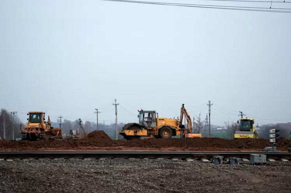 """Еще в самом начале строительства вопрос о проезде жителей Ряжска начал муссироваться, но воз и ныне там. Фото из архива """"КП""""-Рязань""""."""