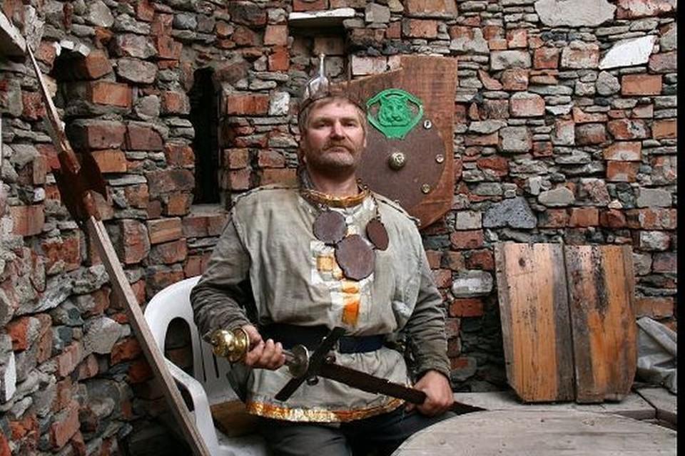 Средневековые замки его увлекали с трех лет. Фото: Александр Немов