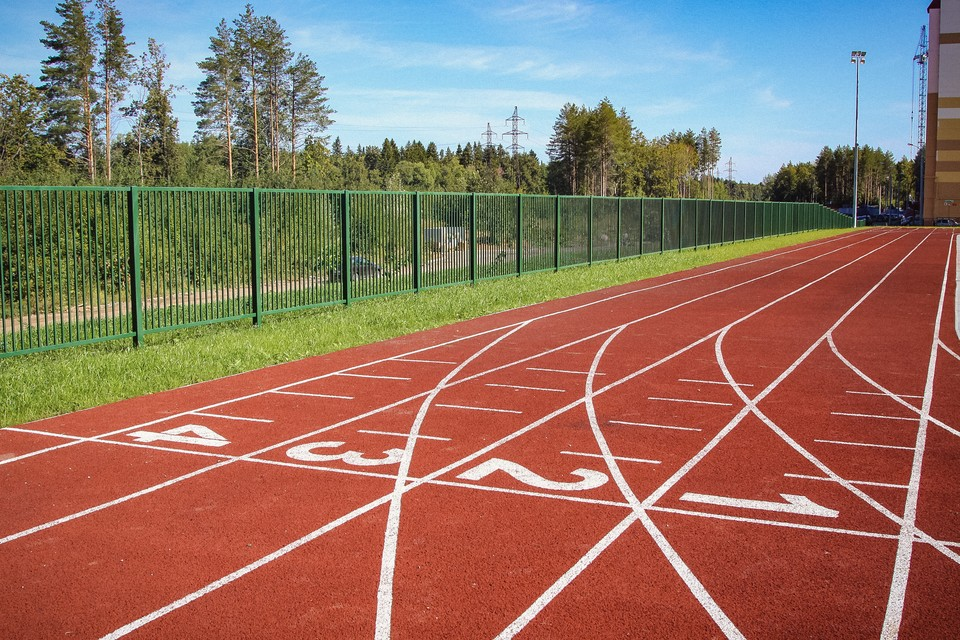 В беге на 100 метров с барьерами среди женщин победу с личным рекордом (против ветра) одержала ижевчанка Ксения Лабыгина