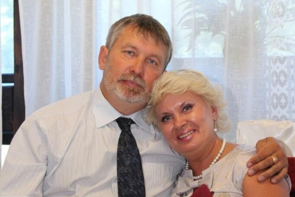 Год назад Владимир Евгеньевич и Светлана Ивановна отметили годовщину свадьбы. Фото: семейный архив.