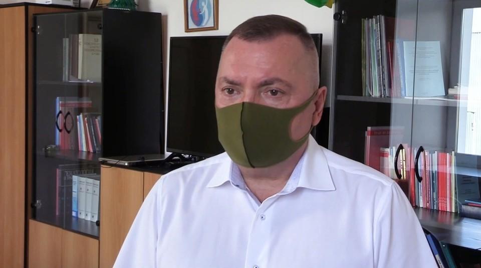 В Кузбассе главный трансфузиолог прошел ревакцинацию от коронавируса. Фото: ВКонтакте/covid19kuzbass.