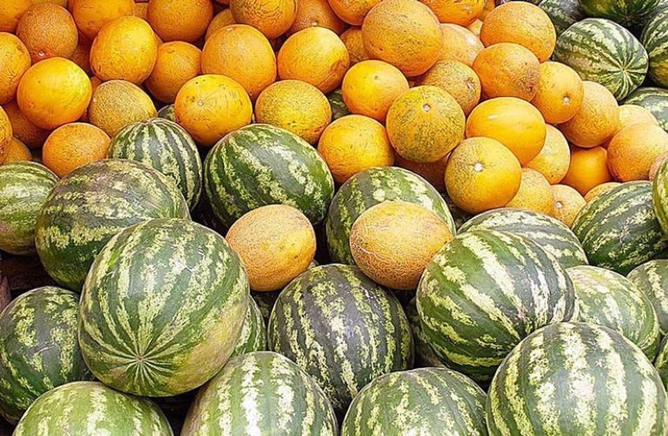 На рынках Кишинева продают первые арбузы и дыни. Фото: соцсети